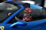 Kimi Raikkonnen w salonie Ferrari Warszawa