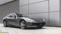 Ferrari <em>inny </em> GTC4Lusso. Official Ferrari Dealer, 2016r.