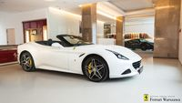 Ferrari <em>California </em> T. Official Ferrari Dealer, 2014r.