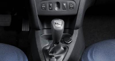 Dacia wprowadza nową zautomatyzowaną skrzynię biegów Easy-R