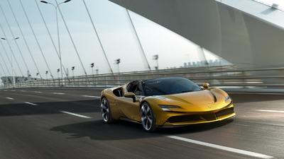 SF90 Stradale pierwsza hybryda plug-in Ferrari z otwartym nadwoziem