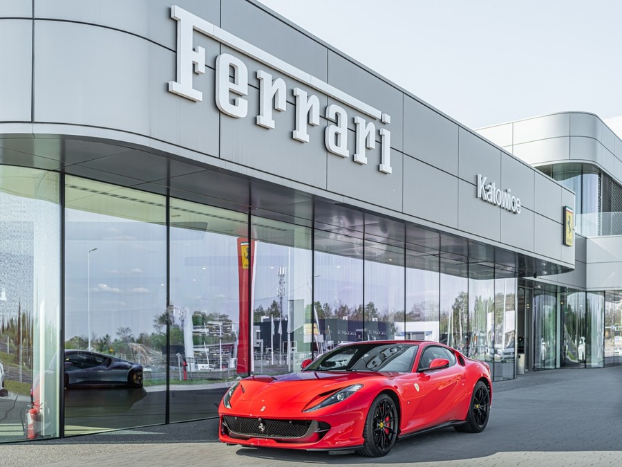 Ferrari <em>812 Superfast </em> Official Ferrari Dealer., 2018r.