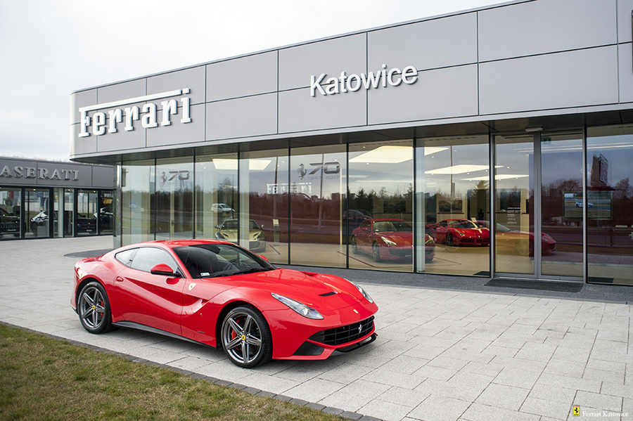 Ferrari <em>F12berlinetta </em> Official Ferrari Dealer., 2016r.