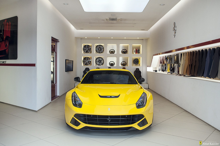 Ferrari <em>F12berlinetta </em> Novitec. Official Ferrari Dealer., 2014r.
