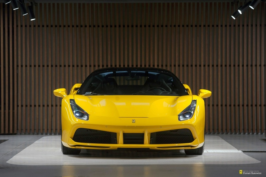 Ferrari <em>488 </em> Ferrari 488 GTB. Official Ferrari Dealer., 2015r, 2015r.