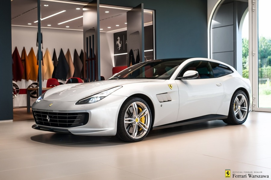 Ferrari <em>GTC4Lusso </em> Official Ferrari Dealer, 2018r.