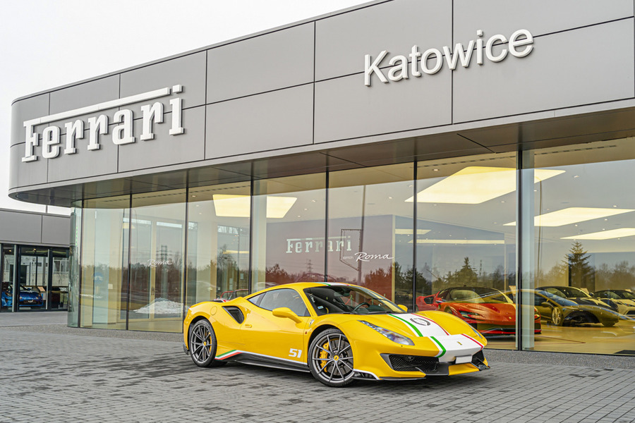 Ferrari <em>488 </em> Pista. Official Ferrari Dealer., 2019r.