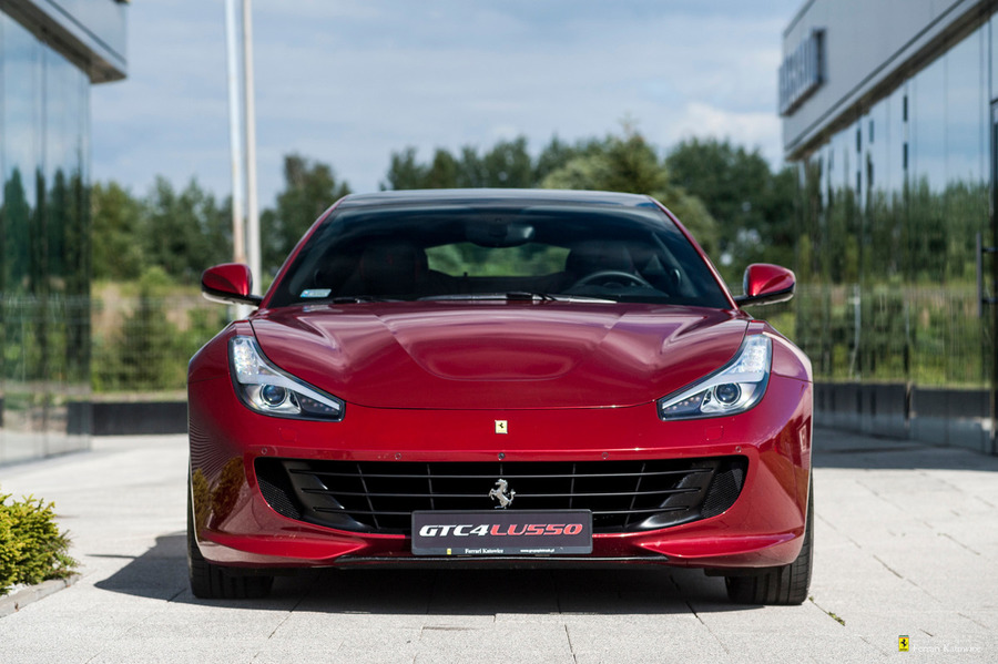 Ferrari <em>GTC4Lusso </em> Official Ferrari Dealer, 2016r.