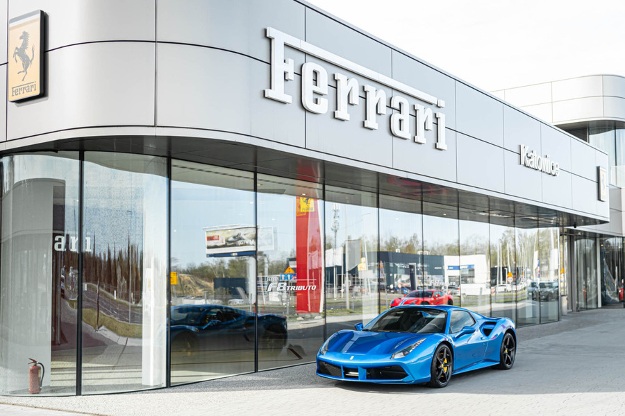 Ferrari <em>488 </em> Spider. Official Ferrari Dealer., 2017r.