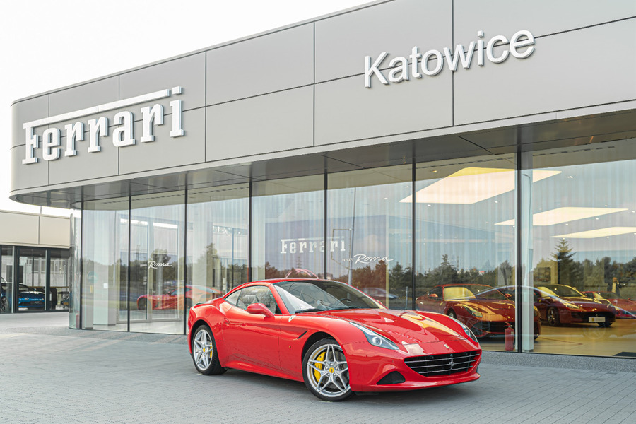 Ferrari <em>California </em> T. Official Ferrari Dealer., 2014r.