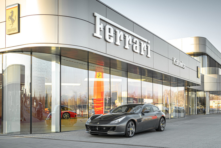 Ferrari <em>GTC4Lusso </em> Official Ferrari Dealer, 2019r.