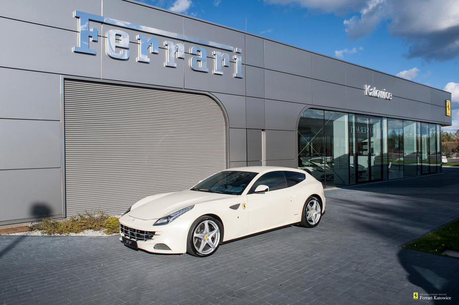 Ferrari <em>FF </em> Official Ferrari Dealer, 2011r.
