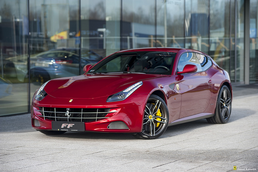 Ferrari <em>FF </em> Official Ferrari Dealer, 2014r.