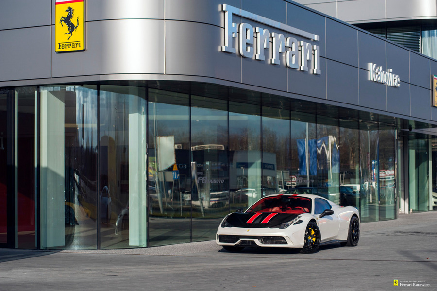 Ferrari <em>458 Italia </em> Spider. Official Ferrari Dealer., 2012r.
