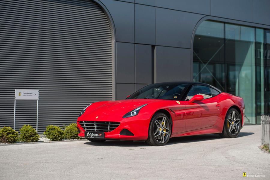 Ferrari <em>California </em> T. Official Ferrari Dealer., 2015r.
