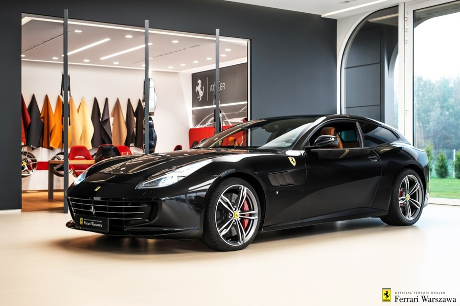 Ferrari <em>GTC4Lusso </em> Official Ferrari Dealer, 2016r.