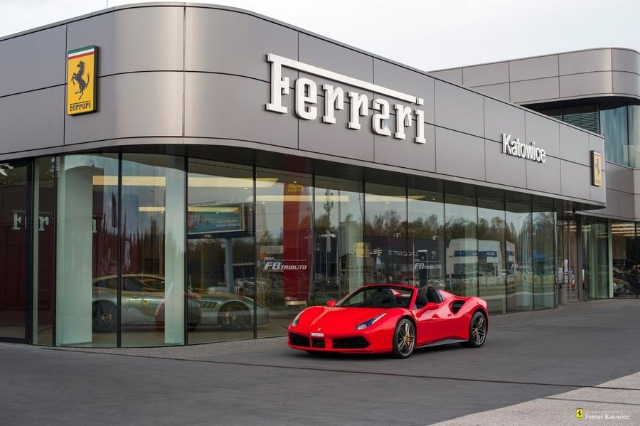 Ferrari <em>488 </em> Spider. Official Ferrari Dealer., 2016r.